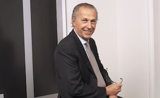 Xeltis pays tribute to Arnaud de Ménibus
